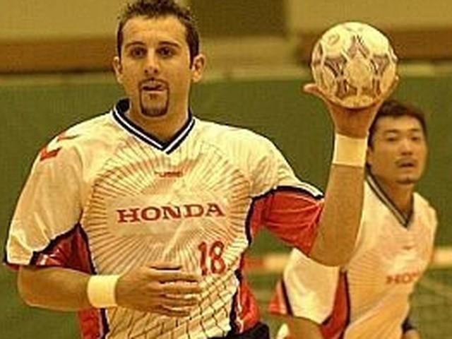 """JO 2021 : les """"Barjots-samouraïs"""" Stéphane Stoecklin et Frédéric Volle, pionniers du handball français au Japon"""