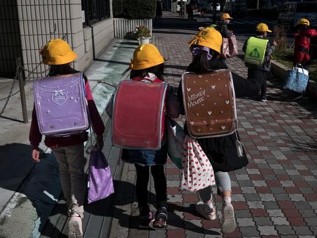 Face au Coronavirus, le Japon ferme ses écoles