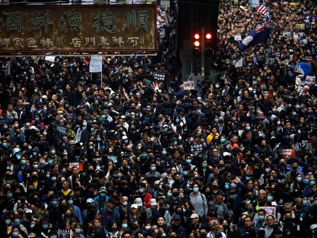 Hong Kong: Des centaines d'arrestations lors de la marche du jour de l'An