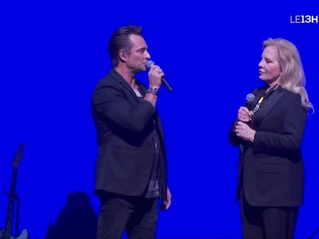 En concert au Grand Rex, Sylvie Vartan rend hommage à Johnny Hallyday et invite David sur scène