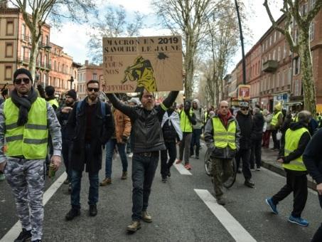 """""""Gilets jaunes"""": mobilisation record à Toulouse avec 10.000 manifestants"""