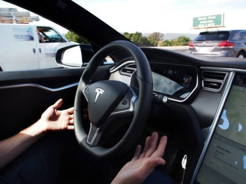 La conduite autonome pour l'ensemble des voitures électriques Tesla