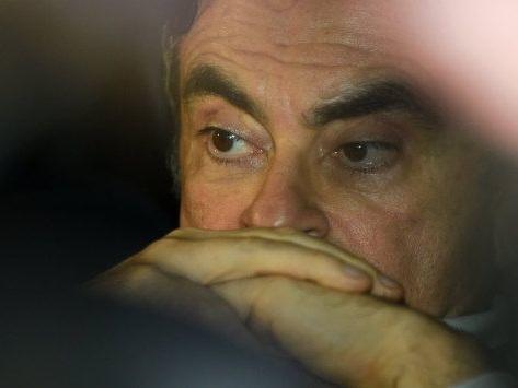 LIGNE ROUGE - Carlos Ghosn, les secrets d'une chute