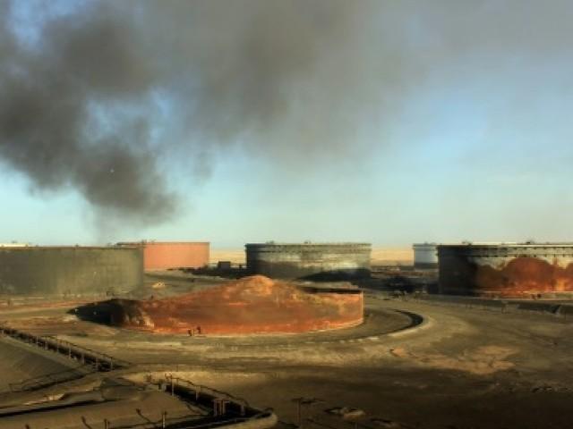 Nouveaux combats autour de sites pétroliers en Libye