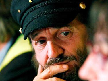 Européennes: l'appel de Francis Lalanne à «l'union sacrée de Gilets jaunes»