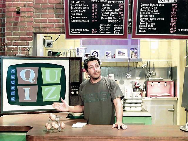 """Alain Chabat de retour sur TMC ? La date de diffusion de """"Burger Quiz"""" dévoilée"""