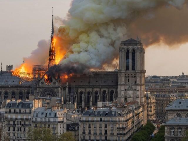 L'incendie de Notre-Dame de Paris continue d'inspirer films et séries