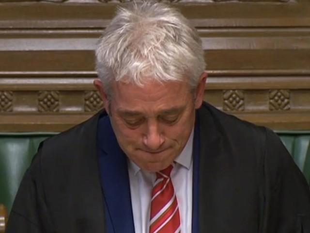 """VIDEO. """"Je n'oublierai jamais et je serai toujours reconnaissant"""" : les adieux émouvants de John Bercow, le célèbre speaker du Parlement britannique"""