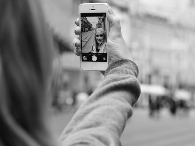 Ouvrir un compte bancaire simplement avec un selfie