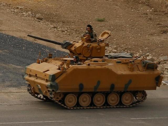 Trêve en Syrie: l'évacuation des forces kurdes a débuté