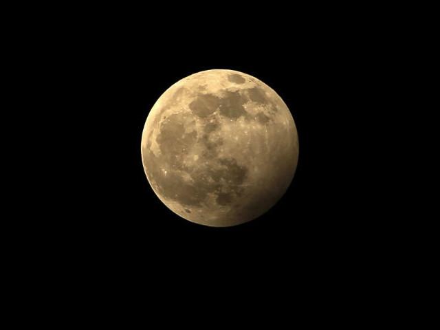 Espace : milliardaire japonais cherche partenaire pour aller... vers la Lune