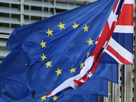 """""""Un accord proche"""" sur le règlement financier du Brexit"""