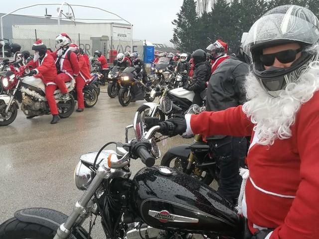 Balade des Pères Noël Motards : plusieurs centaines de motards au grand coeur ont pris le départ ce dimanche !