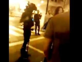 Tunisie – VIDEO: Agression de l'équipe de journalistes d'Al Hiwar à l'Avenue Bourguiba parles fans de Saïed