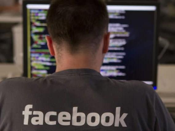 Facebook aussi a fait écouter vos conversations audio à des humains