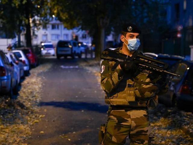 Lyon : un prêtre orthodoxe blessé par balle, un homme en garde à vue