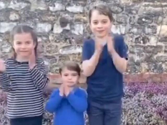 Le prince George, Charlotte et Louis applaudissent à leur tour les soignants