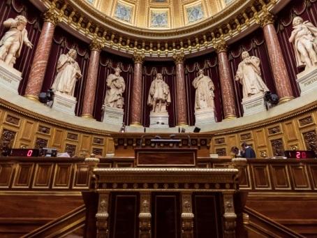 Loi Séparatisme: le Sénat s'apprête à voter un texte nettement durci