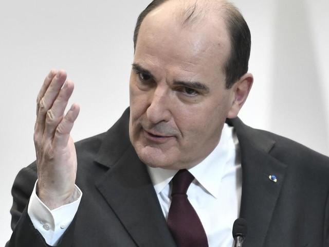 Covid-19: une partie de la France en sursis, le gouvernement jugé trop attentiste