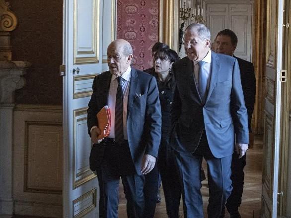 Lavrov et Le Drian discutent par téléphone au sujet du Covid-19