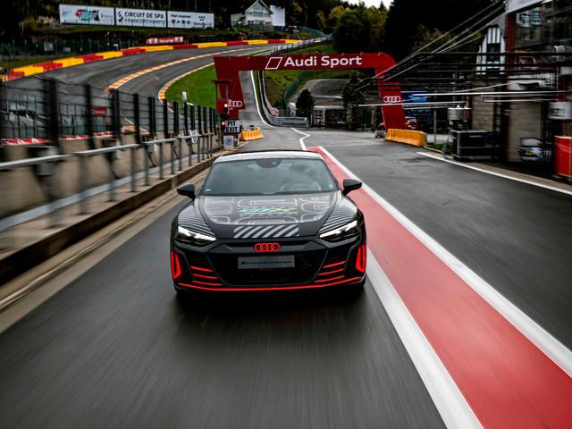 Audi RS e-Tron GT en approche, sœur ennemie de la Porsche Taycan