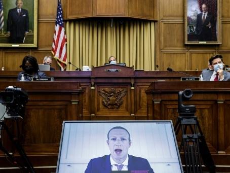 Google, Apple, Facebook et Amazon sermonnés par les politiques
