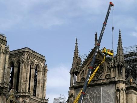 Notre-Dame: plus de 400 millions d'euros de dons pour les quatre collecteurs officiels