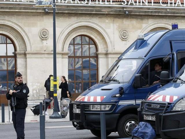 Attaque à Marseille. Un frère du tueur a été arrêté en Italie
