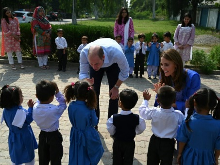 Le prince William et Kate encouragent l'éducation des filles au Pakistan