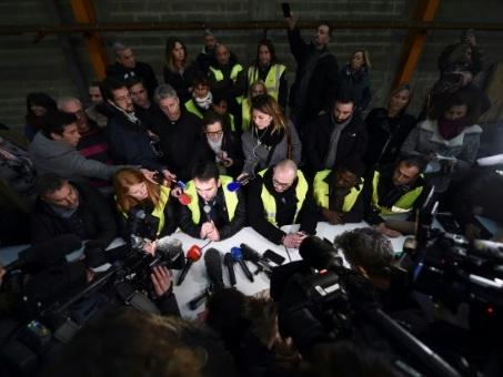 """Un fossé toujours plus grand entre """"gilets jaunes"""" et médias"""