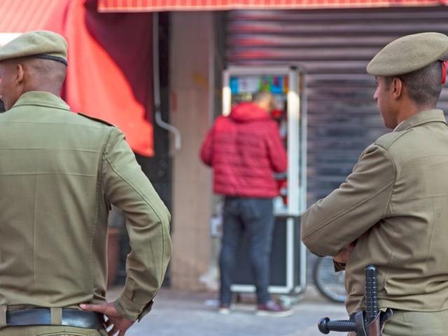 """Arrestation à El Jadida de 5 personnes soupçonnées d'être membres """"d'une bande criminelle"""""""