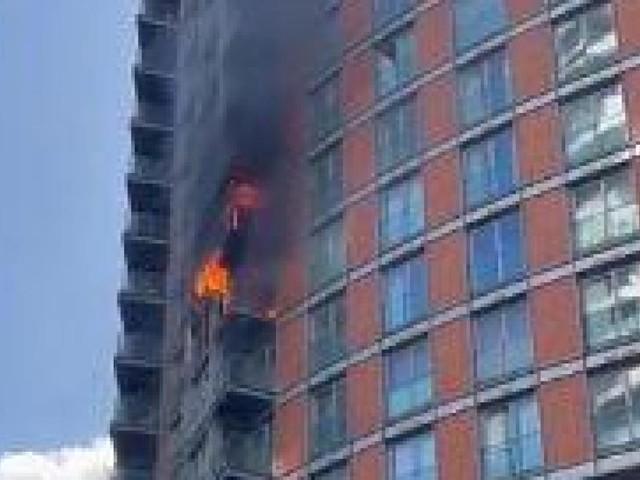 Incendie dans une tour au revêtement similaire à celui de la Grenfell-Tower, dont l'incendie avait fait 72 morts