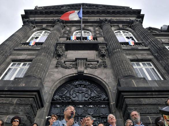 Les tweets «abjects» de l'époux de la préfète du Puy-de-Dôme ne sont pas passés inaperçus