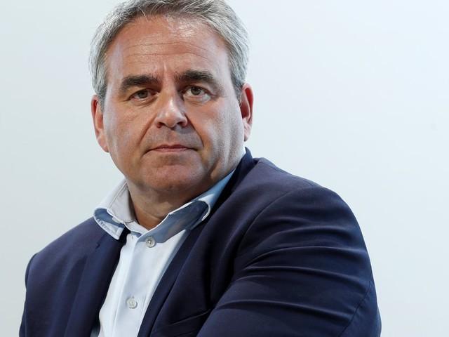 Présidentielle 2022: Xavier Bertrand en tête du sondage de LR, la primaire divise