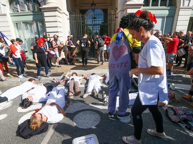 Manifestation contre le pass sanitaire : autour de 1 500 dans les rues de Pau