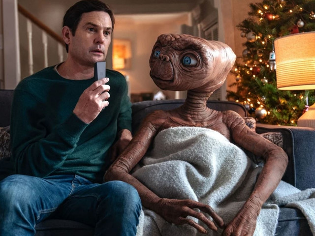 E.T. et Elliott réunis dans une publicité de Noël