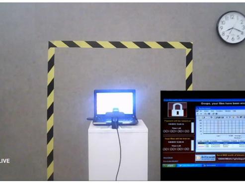 Un vieil ordinateur portable ravagé par six virus vendu aux enchères à plus d'1 million de dollars