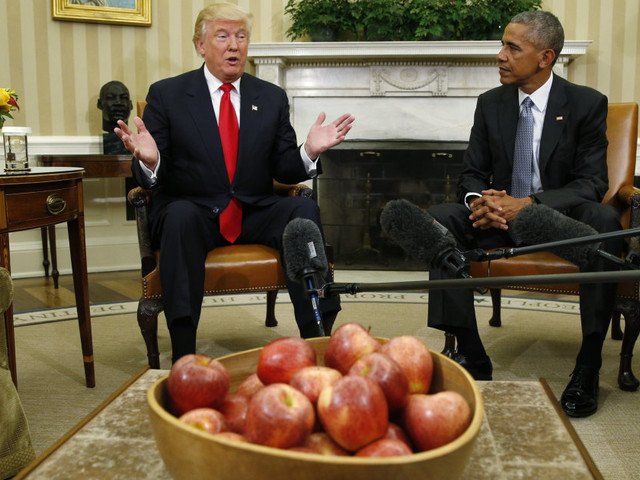"""La transition des plus """"inhabituelles"""" de Barack Obama à Donald Trump"""