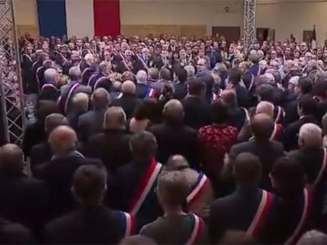 """La prise de parole du maire de Trèbes au """"grand débat"""" a suscité une vive émotion"""