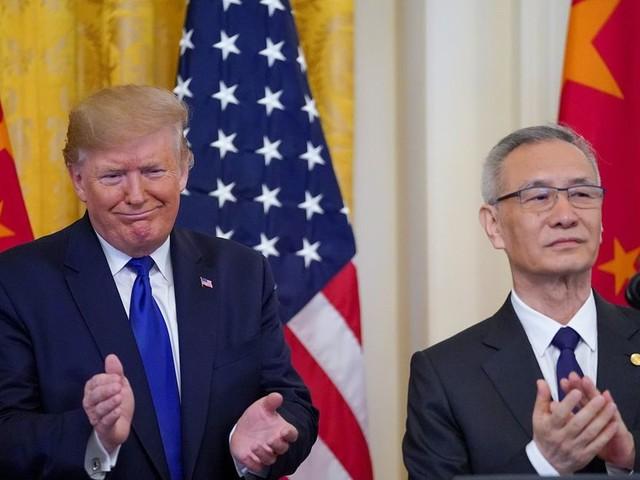 Trump signe un accord commercial préliminaire avec la Chine