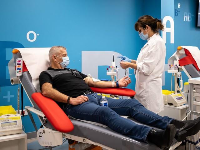 """Les réserves de sang sont à un niveau """"dangereusement critique"""", les Français appelés à une """"mobilisation massive"""""""