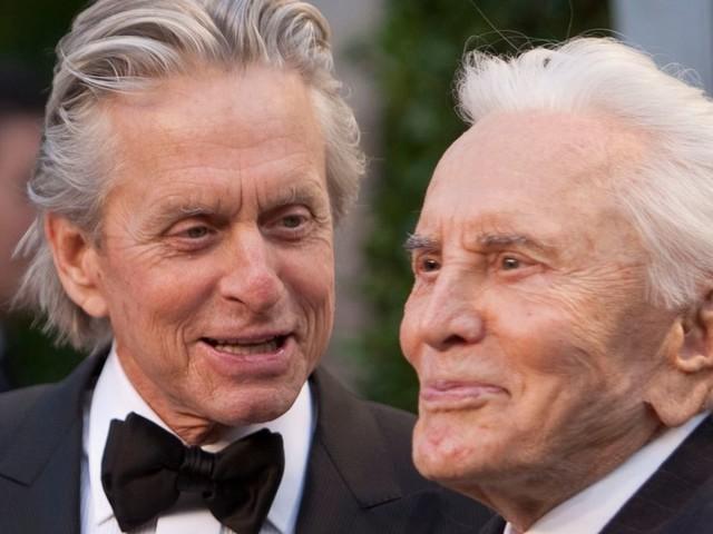 Kirk Douglas, mort à 103 ans, célébré par les hommages du cinéma
