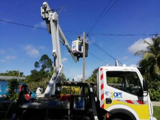 Nouvelle-Calédonie: L'OPT célèbre ses premiers clients raccordés à la fibre optique sur les îles Loyauté.