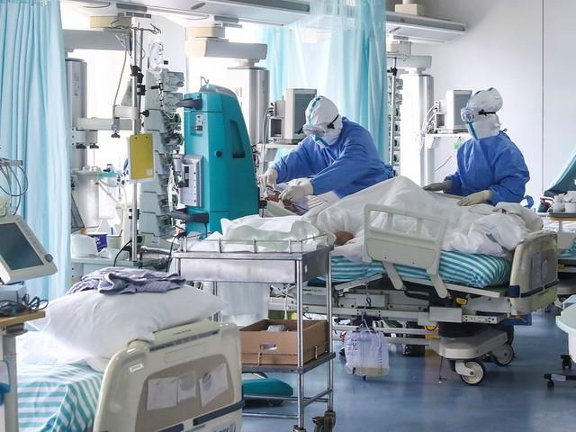 """Coronavirus : 12e cas en France, Buzyn évoque une """"éventuelle diffusion pandémique"""""""