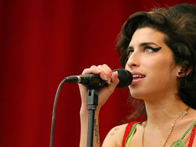 Dix ans de la mort d'Amy Winehouse : un portrait inédit de la reine de la soul sur TMC
