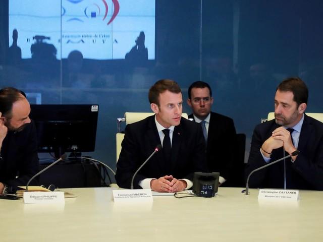 """Violences à Paris : Emmanuel Macron veut """"des décisions fortes pour que cela n'advienne plus"""""""