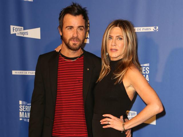 Morte pendant la lune de miel de Jennifer Aniston, sa famille porte plainte