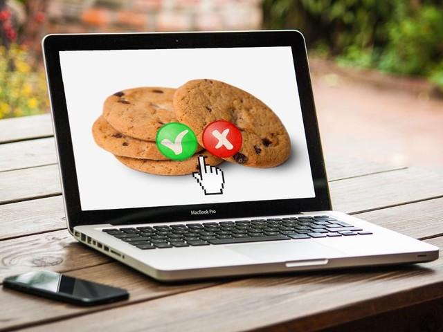 Cookies : Facebook revoit sa copie en Europe pour le consentement