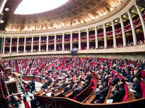 Richard Ferrand quitte le gouvernement pour prendre la tête du groupe LREM à l'Assemblée nationale