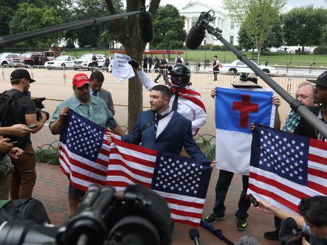 À Washington, le rassemblement de suprémacistes fait flop, éclipsé par les contre-manifestations